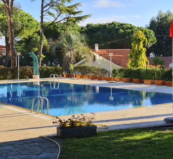 For sale a large apartment by the pool in Sanremo