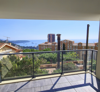 Apartment 100 m2 with terrace in Beausoleil