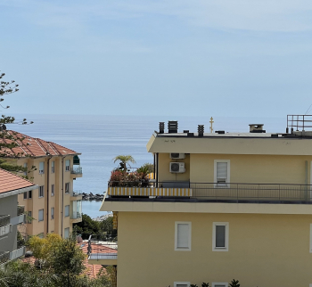 Three-room apartment in Sanremo near the Russian C...