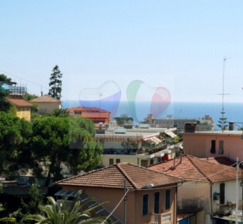 Rent an apartment in Italy, by the sea in San Rem ...