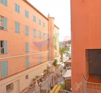 Apartments in Villefranche-sur-Mer on the Cote d'Azur ...
