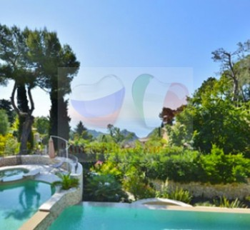 Buy a villa on the sea in the city of Eze on the C...