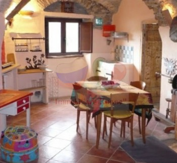 Sale of an inexpensive apartment in Liguria, Empire
