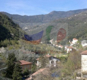 Small studio apartment in the city of Pigna, Liguria