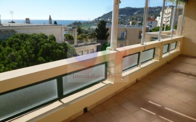 Buy 3-room apartment in the center of San Remo