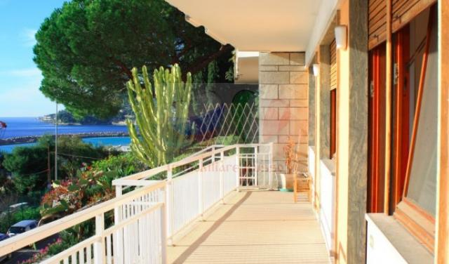 Buy apartments by the sea in Ospedaletti