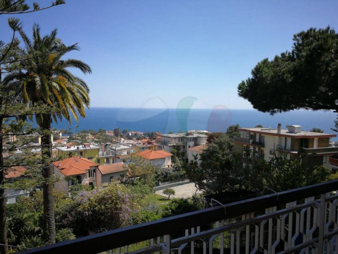 Apartment for sale with sea view in San Remo