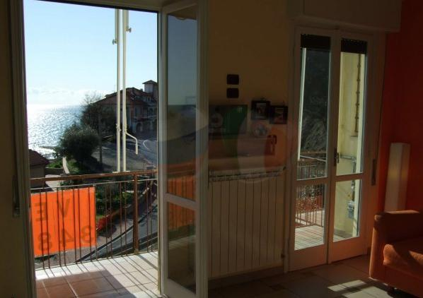 Real estate in Liguria, buy an apartment in Marina d ...