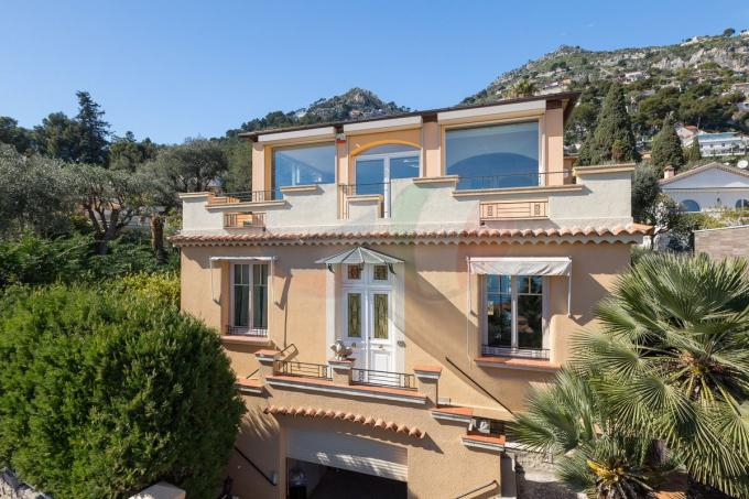 Property with sea and mountain views in Eze