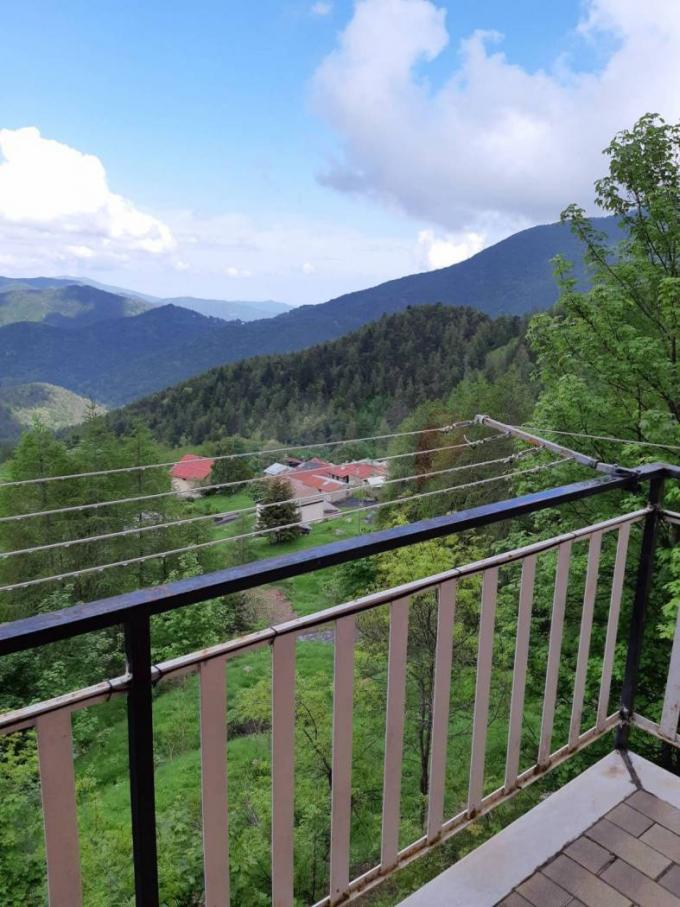 Apartment in Mendatik with mountain view