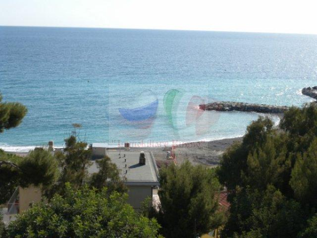 Ospedaletti apartment to buy on the coast of Italy