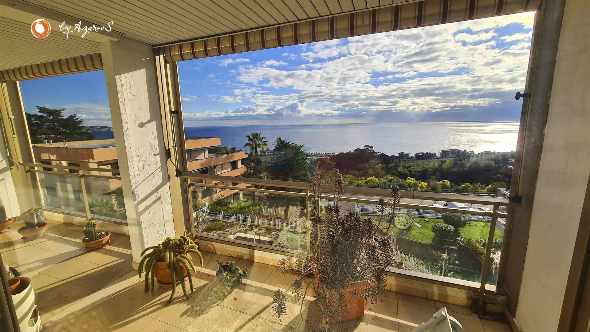 Apartment 90 m2 with terrace in Sanremo