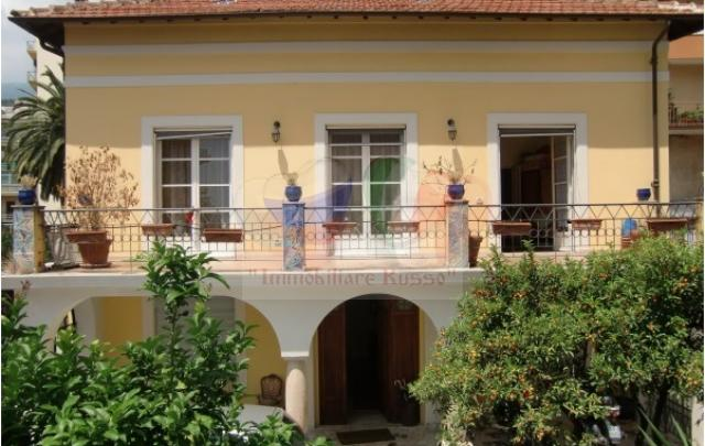 San Remo house for sale in Liguria near the sea ...