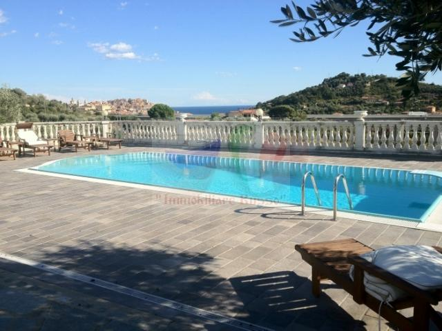 For sale Villa in Liguria with pool and sea view ...