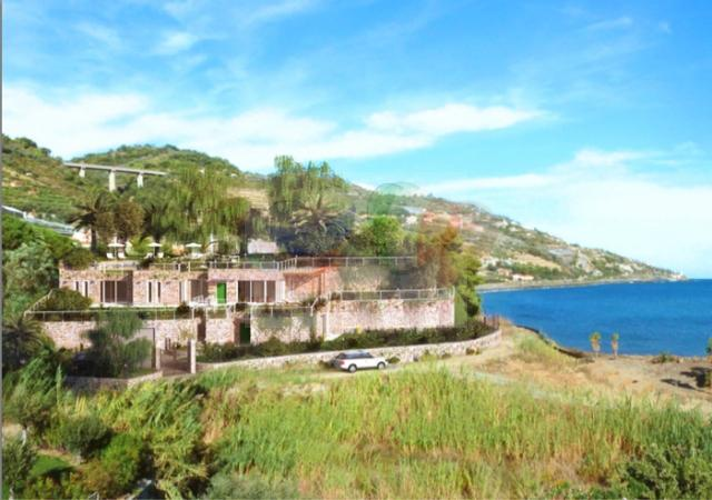 Land for sale with project and private beach in Italy