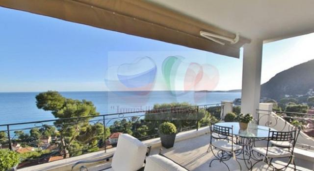 Real estate in Aes Board de Mer on the Cote d'Azur ...