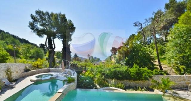 Buy a villa on the sea in the city of Eze on the Cote d'Azur ...
