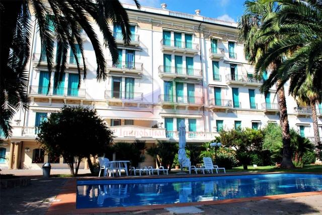 Buy an apartment in Bordighera on the coast of Liguria