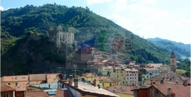Inexpensive to buy a house in Liguria, Dolceacqua
