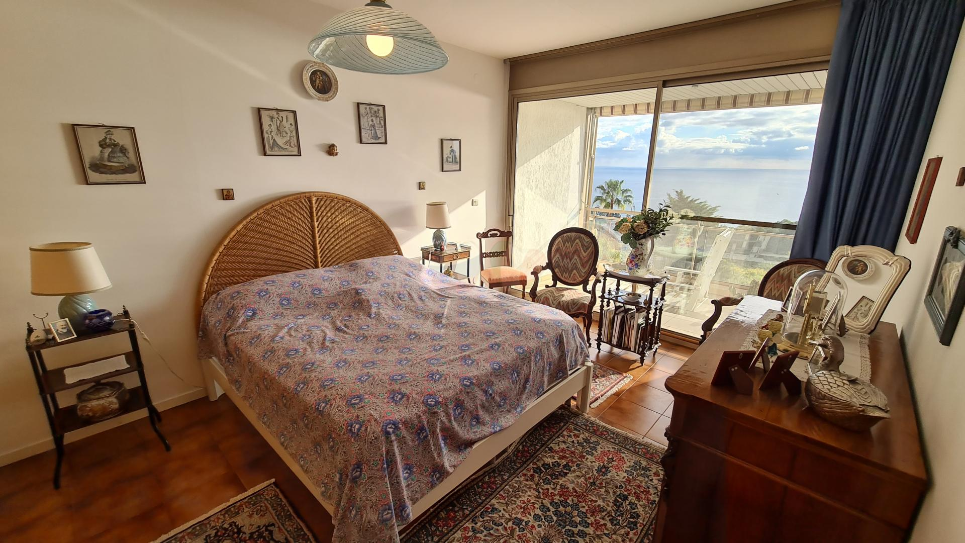 Sanremo apartment with sea view